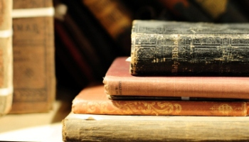 top 3 posts for book lovers or where to find free books legally - Free Book Pictures